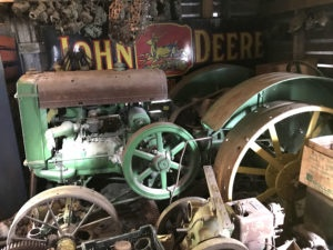 JD COLLECTOR TRACTOR AUCTION