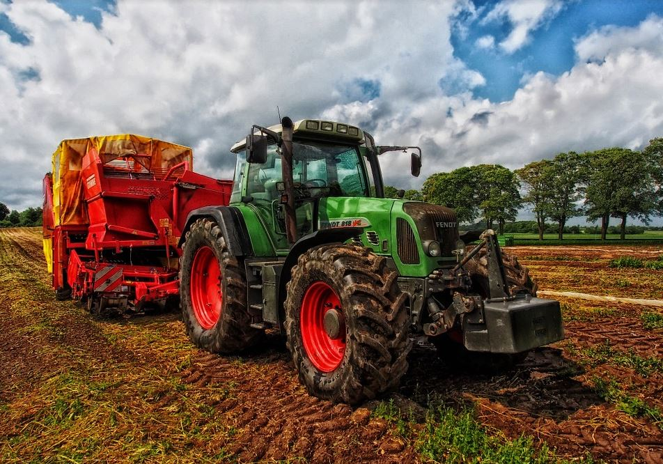 Online Farm Equipment Auctions: Know What To Expect